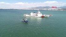 İzmir-Akdeniz' de 5 Ton Uyuşturucunun Ele Geçirildiği Gemi Sahil Güvenlik Ekipleri Tarafından İzmir...