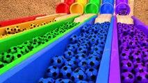 Apprendre les Couleurs avec Kinder Surprise Œufs Ballon de Soccer de la Magie de la Piscine et de la Construction de Véhicules pour les Enfants