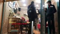 Hareket halindeki otomobilden kuaför dükkanına silahlı saldırı...Saç tıraşı olurken silahlı saldırıya uğradılar