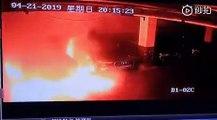 VÍDEO: Este es el momento en el que un Tesla Model S explota en un garaje en China