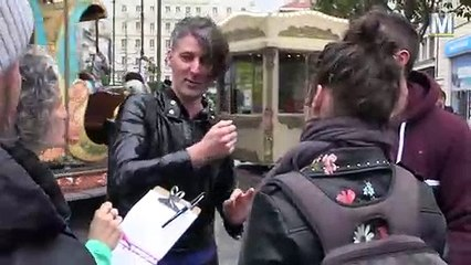 """""""Lieux publics"""" en repérage dans les rues de Marseille"""