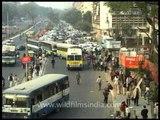 Cycle rickshaw guys take a nap in the noisy Delhi!