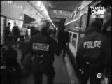 POLICIERS EN ACTION VERS UN COLLEGE PARISIEN
