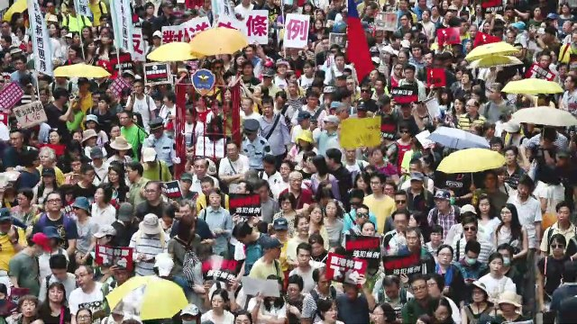 Huge Hong Kong protest against China extradition plan