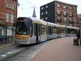 Bruxelles : la réaction des passagers d'un tram qui apprennent qu'ils vont être contrôlés