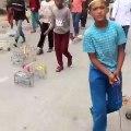 Admirez la créativité de ces enfants. Magnifique !