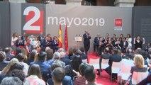 Madrid premia a Raphael y Gregorio Marañón con las Medallas de Oro
