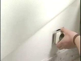 Découpe de revêtement mural - Cours de bricolage