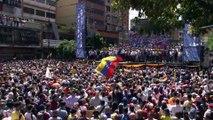 Guaidó insta a los venezolanos a manifestarse frente a los cuarteles para que dejen de apoyar a Maduro