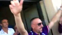 Football - Great reception for Franck Ribéry by Fiorentina fans