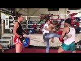 Lilian Dikmans Muay Thai training, Jartui Sangmorakot gives tips