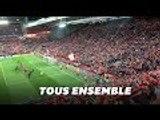 "Le stade de Liverpool reprend en chœur ""You'll never walk alone"""