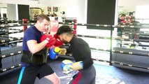 WORLD TITLE CONTENDER MUHAMMAD WASEEM SMASHES PADS WITH NEW COACH DANNY VAUGHAN AT MTK SCOTLAND