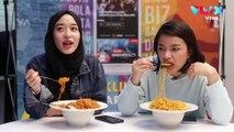 Jawab Komen Pedas Netizen Sambil Makan Mie Super Pedas!