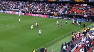 Scuffle between Arsenal and Valencia players after the final whistle!