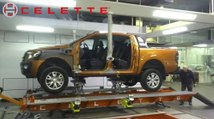 Frame machine Celette Griffon with 1 man moving 2 ton Ford Ranger, measuring system, universal jig