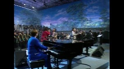 Elton John - Live Like Horses