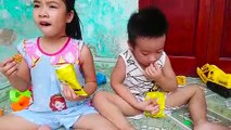 Le Bébé de la Collation des Nouilles, Crevettes nouilles frites et les enfants  Bébé Beurre TV  Nouilles Omelette