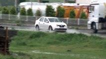 Arnavutköy'de sağanak yağış etkili oldu