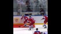 Triomphant à un match de hockey, Vladimir Poutine chute pendant le tour d'honneur