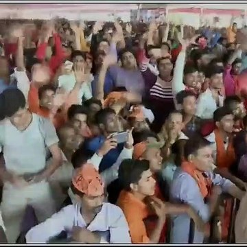 Narendra Modi in UP lashes out at Opposition