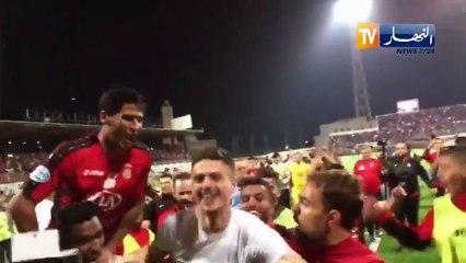 Les joueurs de l'USM Alger ont fêté la victoire avec Abdellaoui