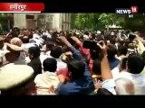 फिल्मी अंदाज में BJP MLA अशोक चंदेल ने कोर्ट में किया सरेंडर, पुलिस के साथ धक्का मुक्की
