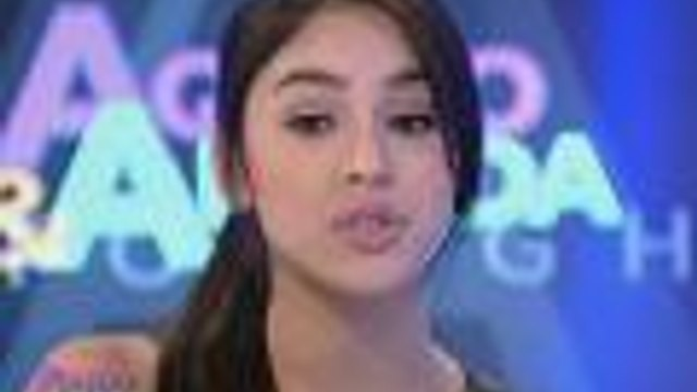 Julia, di napigilang maluha sa Aquino & Abunda Tonight