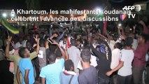 A Khartoum, les manifestants soudanais fêtent l'accord de transition politique