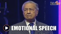 Dr Mahathir chokes up during emotional Teachers' Day tribute