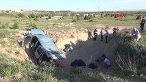 Eskişehir Araç Menfez Boşluğuna Uçtu 2 Ölü, 3 Yaralı