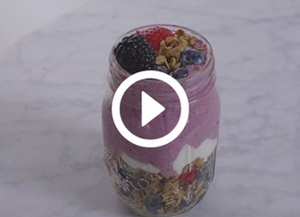 This 5-Ingredient Breakfast Smoothie Will Make You a Morning Person