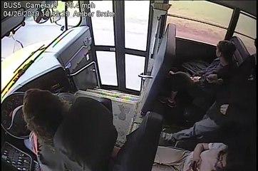 Une conductrice de bus scolaire sauve un enfant