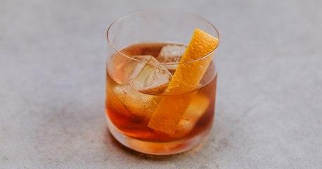 Bourbon Old Fashioned Cocktail Recipe - Liquor.com