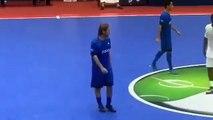 La vengeance terrible de Francesco Totti après un dribble irrespectueux au futsal !