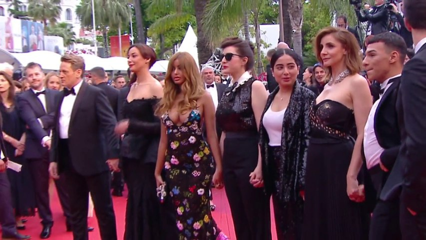 L'équipe du film une fille facile est sur le tapis rouge- Cannes 2019