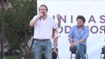 """Iglesias dice que una """"democracia digna"""" no acepta limosnas de Amancio Ortega."""