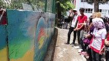 Okul bahçesi duvarı tuval oldu - BURDUR