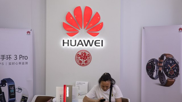 Following Trump's Orders, Google Bans Huawei's Access to Androids