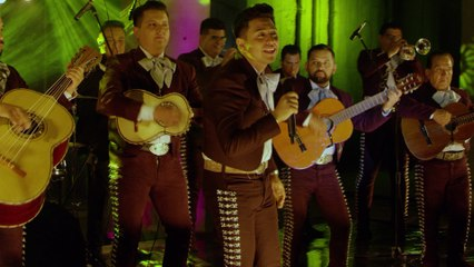 Mariachi Por El Mundo - Reggaetón Lento (Bailemos)