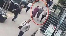 Kaldırımda yürüyen iki kadına yumruk attı