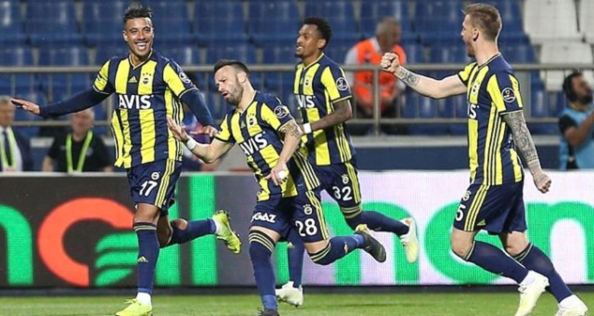 Olympiakos, Valbuena Transferini Açıkladı