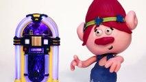 Trolls Branch Stops Princess Poppy Dancing | Stop Motion | Crafty Kids