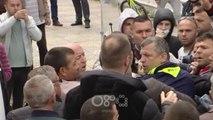 """RTV Ora - Opozita mbi 3 orë protestë para Kuvendit dhe te Piramida, rrihen 'të infiltruarit"""""""