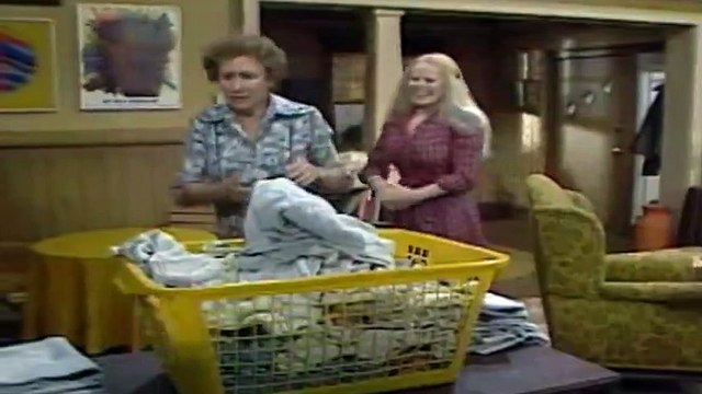 All in the Family  S 06 E 19  Mikes Move