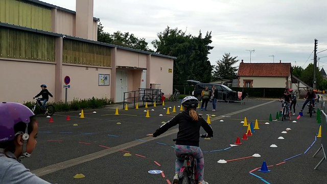 """ERVé (Education Routière à vélo) à Nouan-le-Fuzelier (41) : """"Attendez-moi l'équipe"""""""