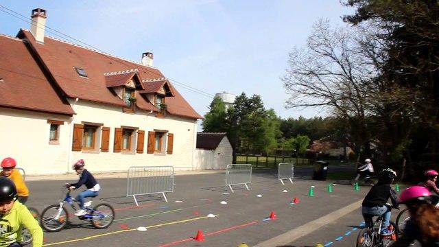 ERVé (Education Routière à vélo) à Nouan-le-Fuzelier (41) : rond-point