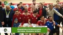 Sivassporlu futbolcuların soyunma odasında sevinci
