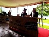 Nue dans le lac d'Annecy : Amélie Nothomb débriefe sa folle soirée à la Fête du livre en 2014