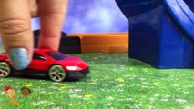 Fun with slow motion and Hot Wheels cars action with jumps and accidents and lots of exciting fun